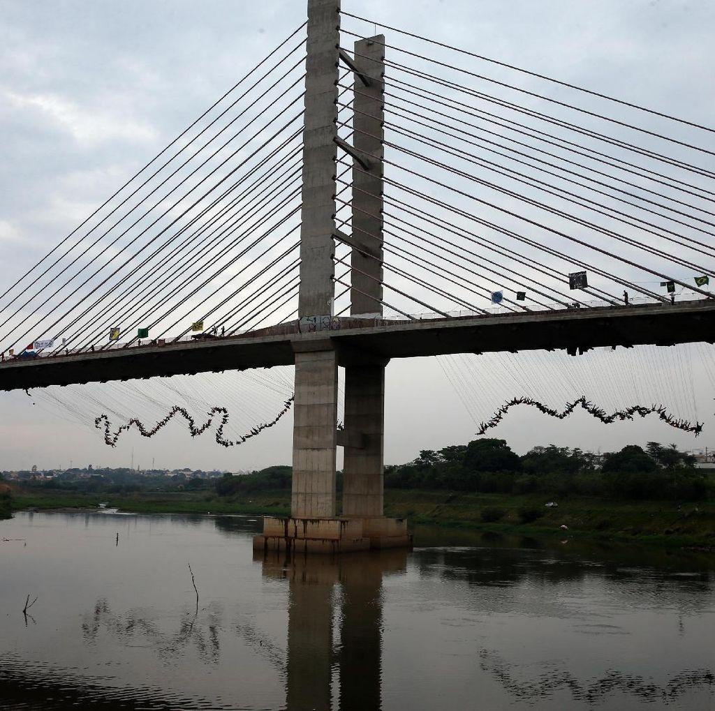 Ratusan Orang Lompat Bareng dari Jembatan di Hortolandia Brasil