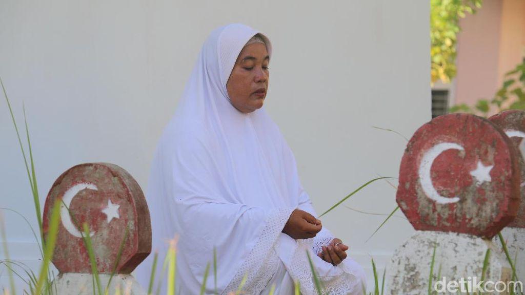 Foto: Perempuan Penjaga Makam Leluhur Turki di Aceh