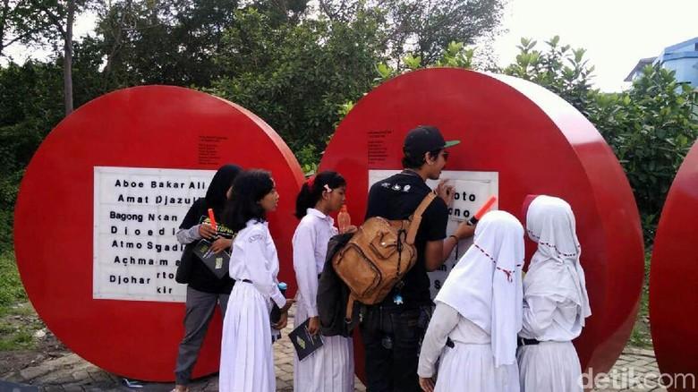 Serunya Melihat Siswa SD Belajar Seni Patung di Kotabaru Yogya