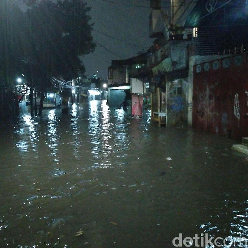 Kemang Utara Banjir, Ketinggian Air Capai 70 Sentimeter