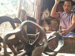 Gasing Tarik Berbahan Limbah dari Cirebon yang Tak Terkikis Zaman