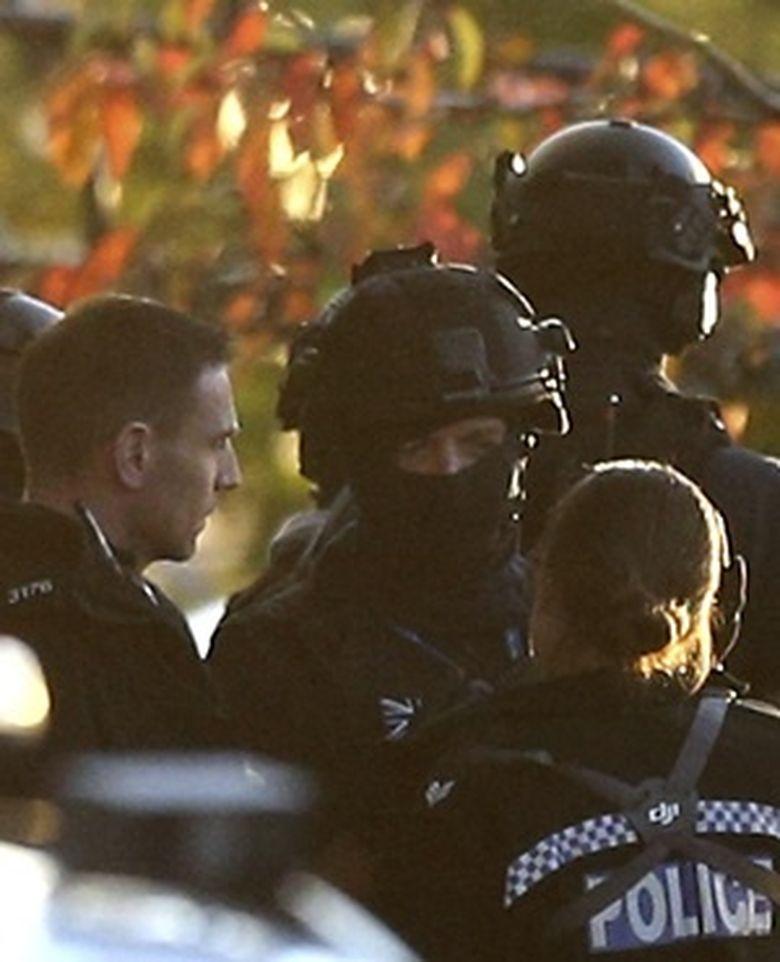 Pria Bersenjata Sandera 2 Orang di Taman Rekreasi Inggris