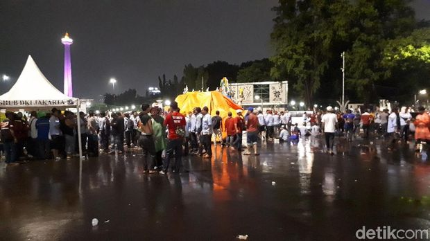 Massa masih berkumpul di kawasan Taman Pandang Istana