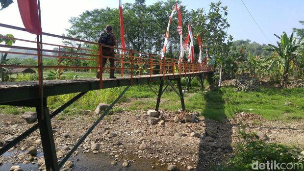 Peresmian jembatan di Kelurahan Jabungan, Semarang.