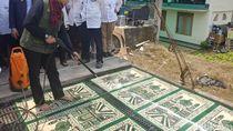 1.000 Masjid di Bandung Raya Kini Bisa Cuci Karpet Gratis