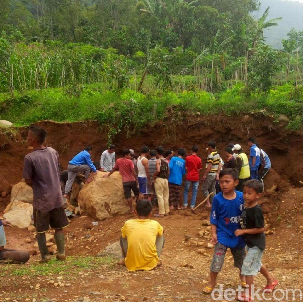 Penambang Batu Tewas Tertimbun di Batang