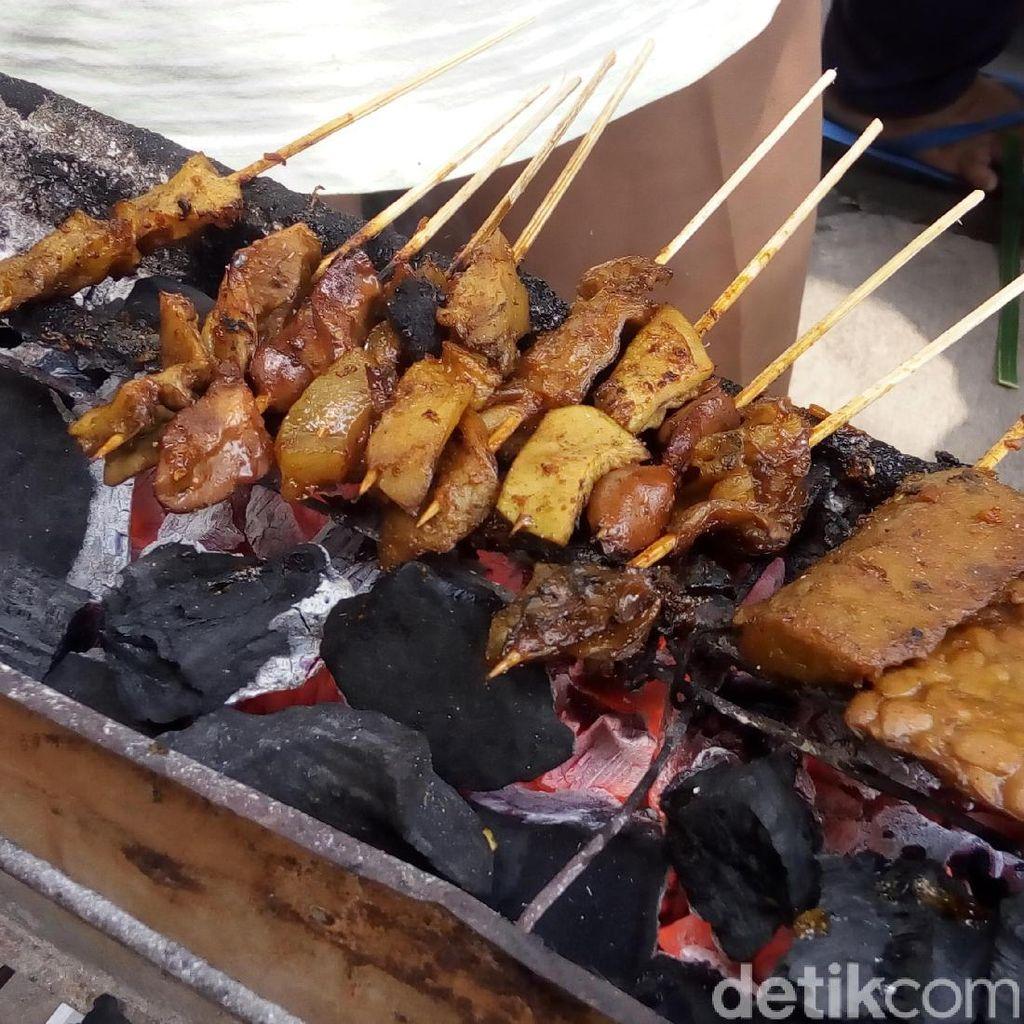 Mengapa Salah Satu Hidangan di Jokowi Mantu Ini DIsebut Sate Kere?