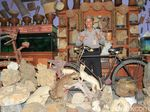 Polisi Bandung Ini Bikin Museum Barang Antik