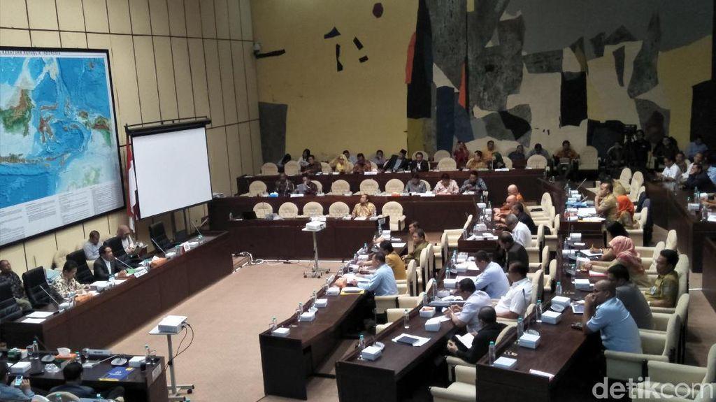Komisi II DPR Ambil Keputusan Soal Perppu Ormas, Jadi UU Atau Gugur?