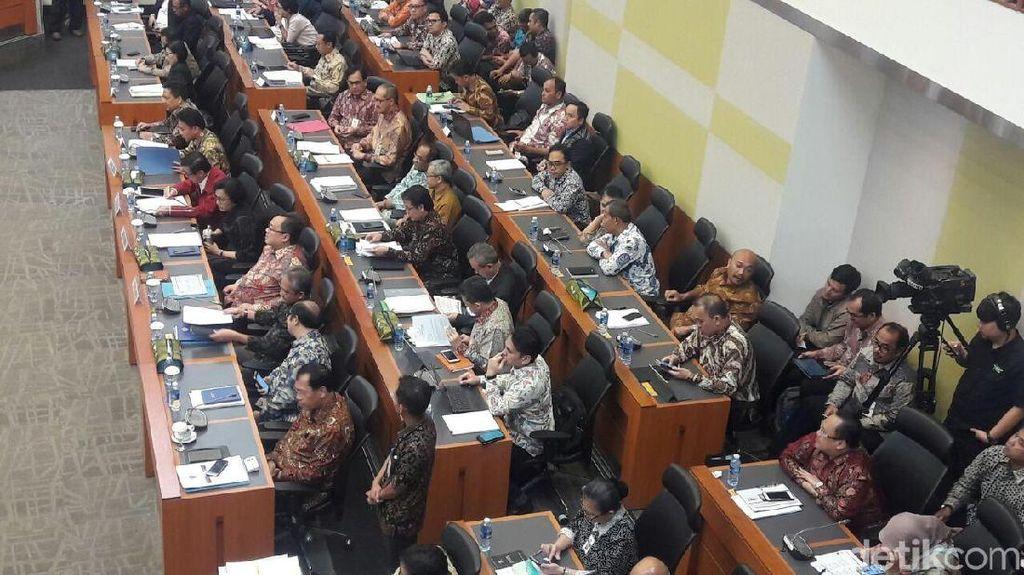 Rapat Hingga Dini Hari, DPR dan Sri Mulyani Cs Sepakati APBN 2018