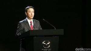 Sambut Wartawan di Jepang Bos Mazda Pamer Foto Masa Muda