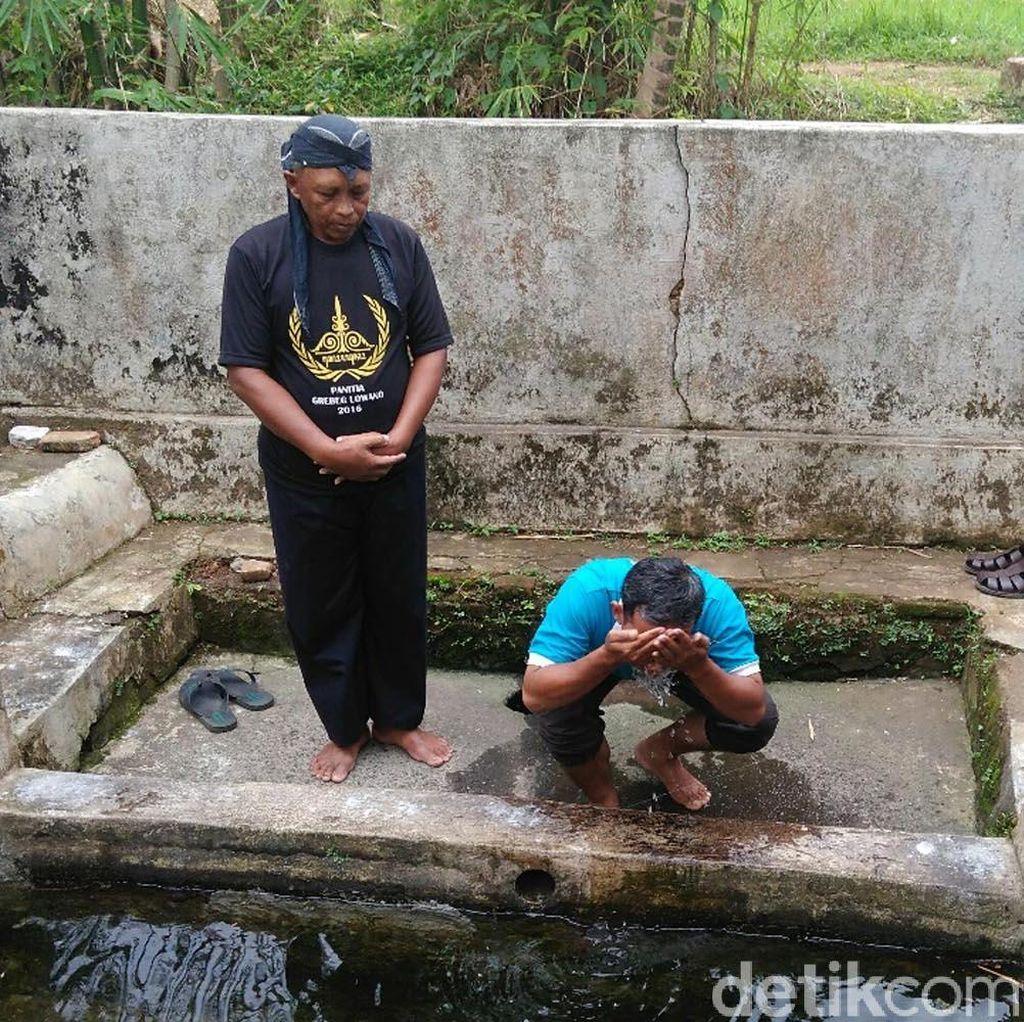 Menengok Ritual Anti Jomblo di Sendang Kaliglagah Purworejo