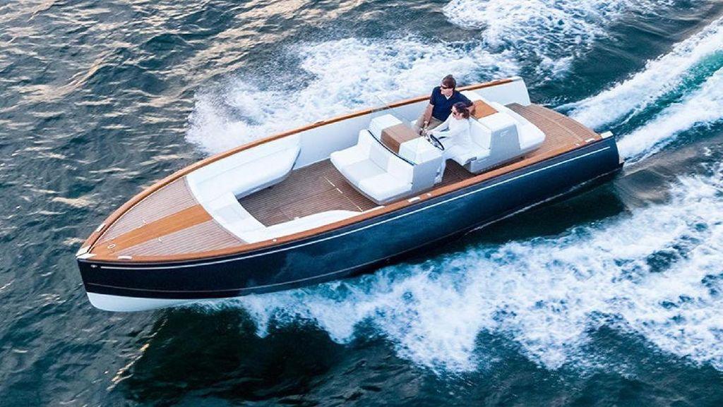 Ini Yacht Mewah Bertenaga Listrik Pertama di Dunia