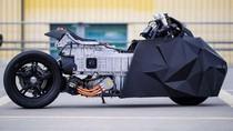 Skutik BMW Dipermak Jadi Motor Batman
