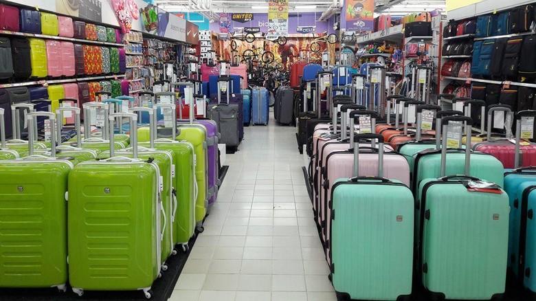 Foto: Aneka koper di Transmart Carrefour (Transmart Carrefour)