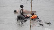 Mayat Ditemukan di Tengah Kali Porong, Begini Susahnya Evakuasi