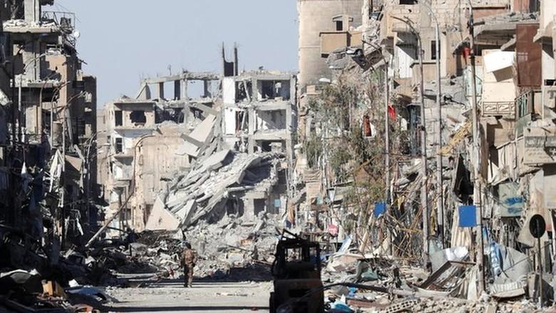 Rusia: Koalisi AS Bombardir Raqqa Hingga Rata dengan Tanah
