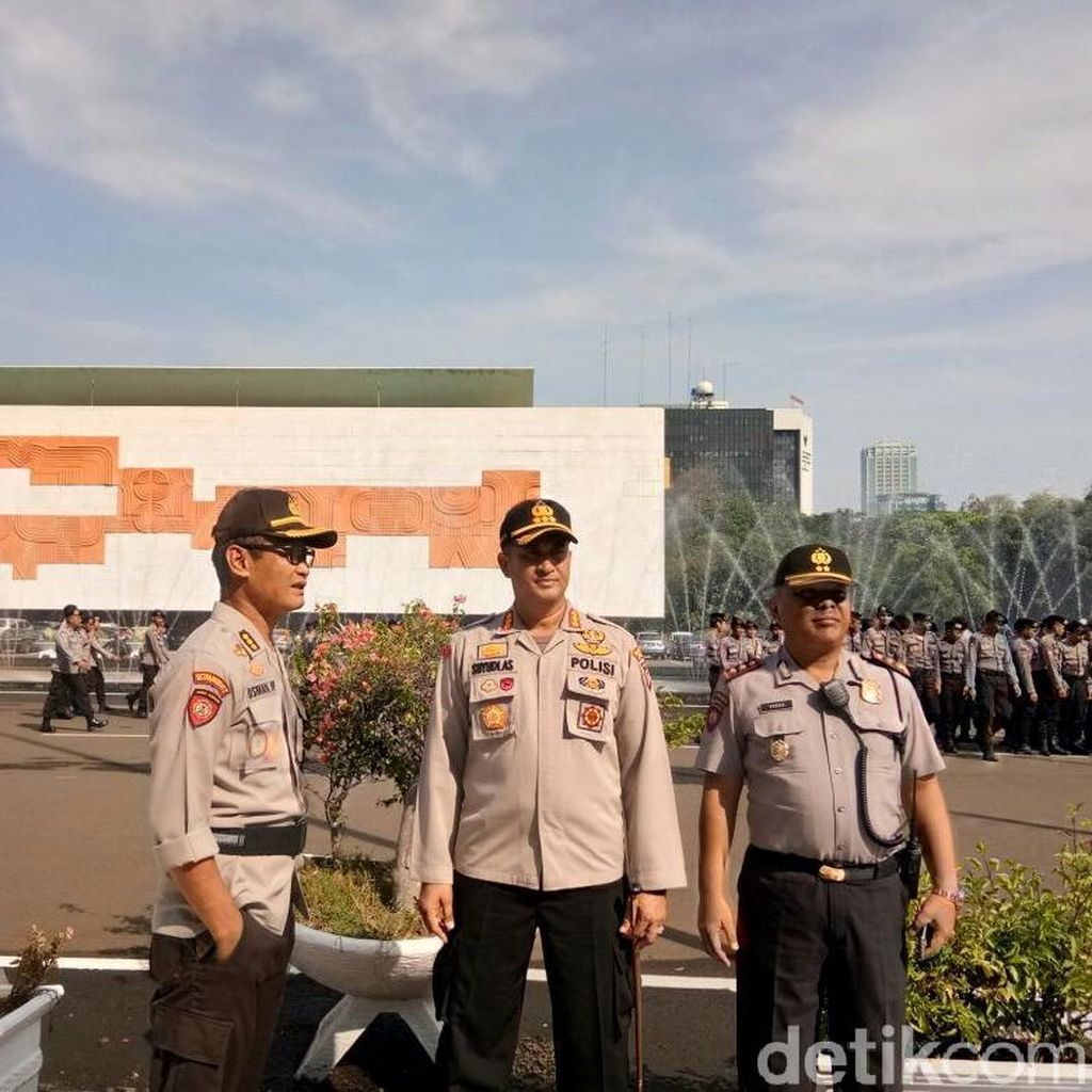 5.200 Personel TNI-Polri Amankan Aksi Protes Perppu Ormas di DPR