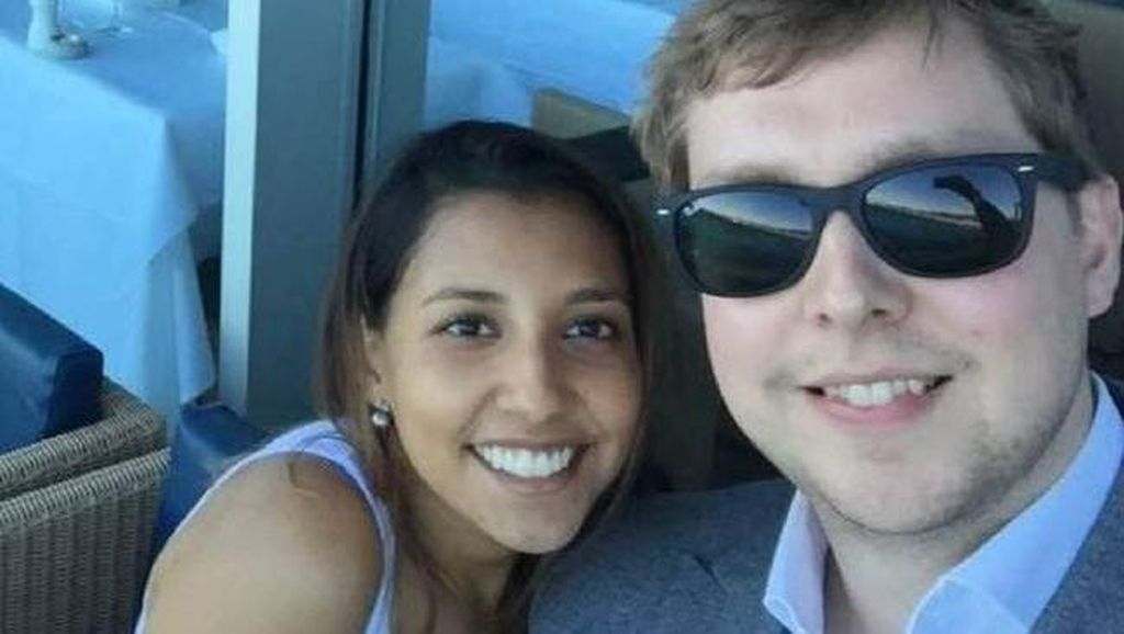 Kisah Pria Lamar Kekasih Saat Pesawat AirAsia Terjun 20 Ribu Kaki