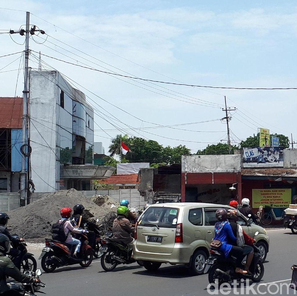 Risma akan Mediasi Ahli Waris Pemilik Bangunan di Frontage Road