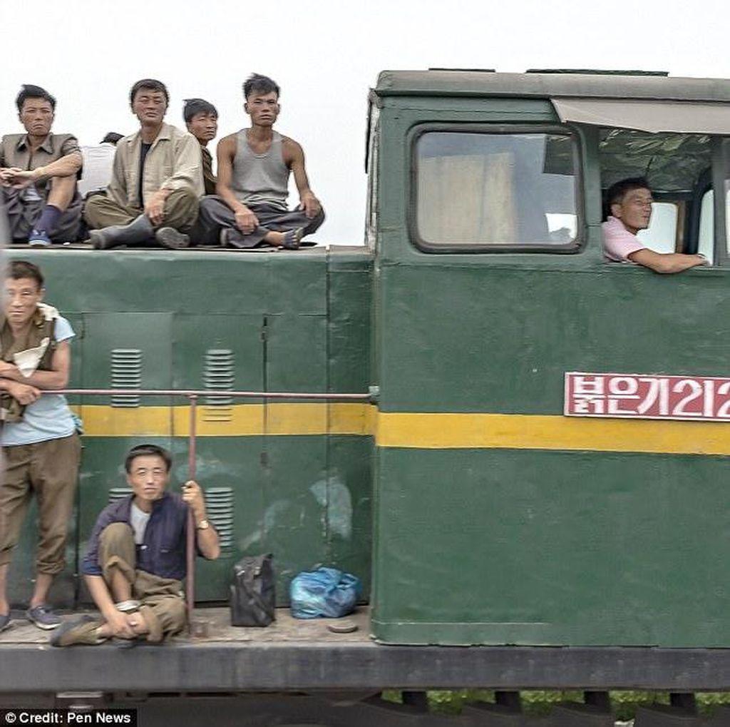 Deretan Foto Candid Tentara Korut yang Menyedihkan