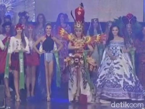 Revindia Carina, mewakili Indonesia Miss Global Beauty Queen/