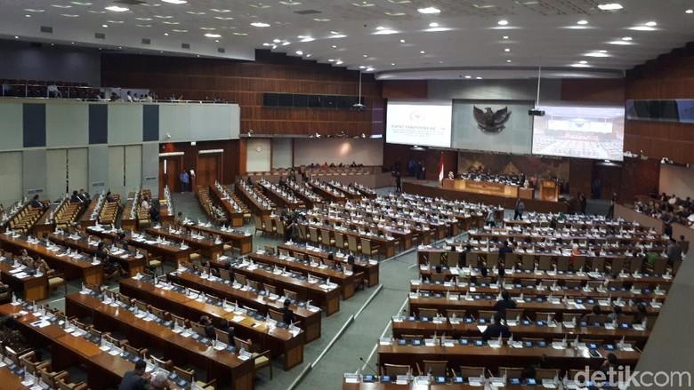 Paripurna Pembacaan Nama Calon Panglima TNI, 346 Anggota DPR Absen
