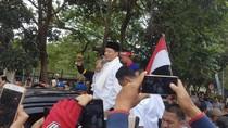 Digaji Rp 300 Ribu per Bulan, Honorer Geruduk Pendopo Banten