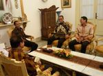 Jokowi Beberkan Isi Pembicaraan dengan Anies-Sandi