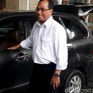 Lika-liku Aturan Taksi Online
