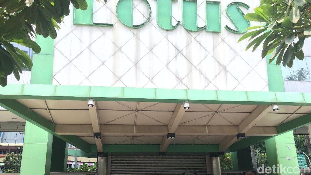 Pembeli Terus Datangi Lotus Thamrin yang Tutup Akhir Bulan Ini