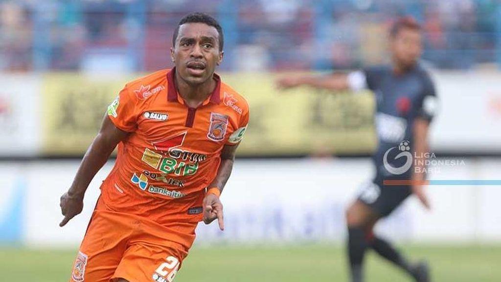 Terens Puhiri, Gelandang Borneo FC yang Jadi Sorotan Media Asing