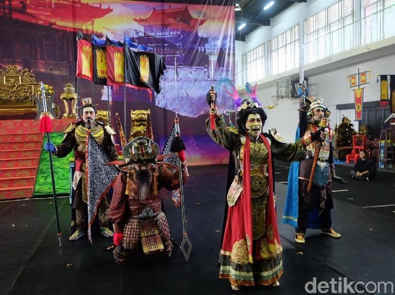 Teater Koma Siapkan 135 Kostum Pemain untuk Sin Jie Kwie 4