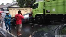 Truk Tabrak 5 Kendaraan, 1 Pengendara Tewas di Wonosobo