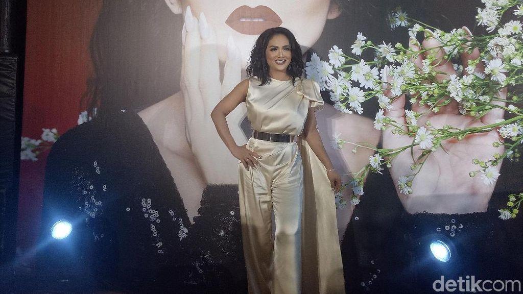 KD Jadi Brand Ambassador Baju Senilai Jutaan Rupiah