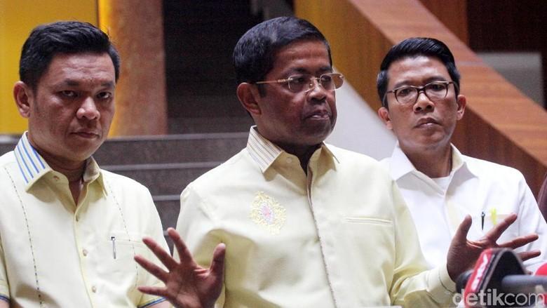 Sekjen Pengurus Daerah Solid Dukung - Jakarta Sekjen Golkar Idrus Marham menyebut pengurus partai di daerah langsung menghubungi Setya Novanto seusai pengumuman tersangka oleh