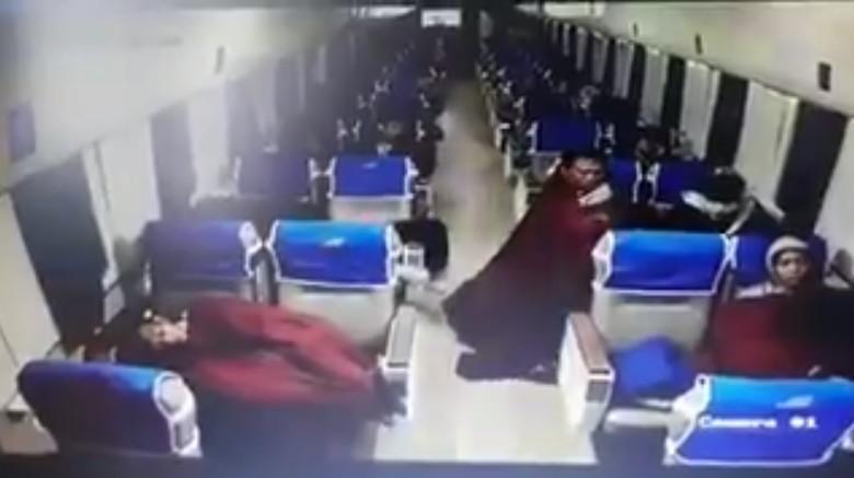 Viral CCTV Pencurian di KA Saat Penumpang Tidur, Begini Ceritanya