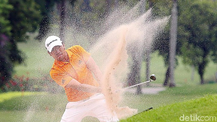 Aksi Rory Hie di Golf Indonesia Open 2017