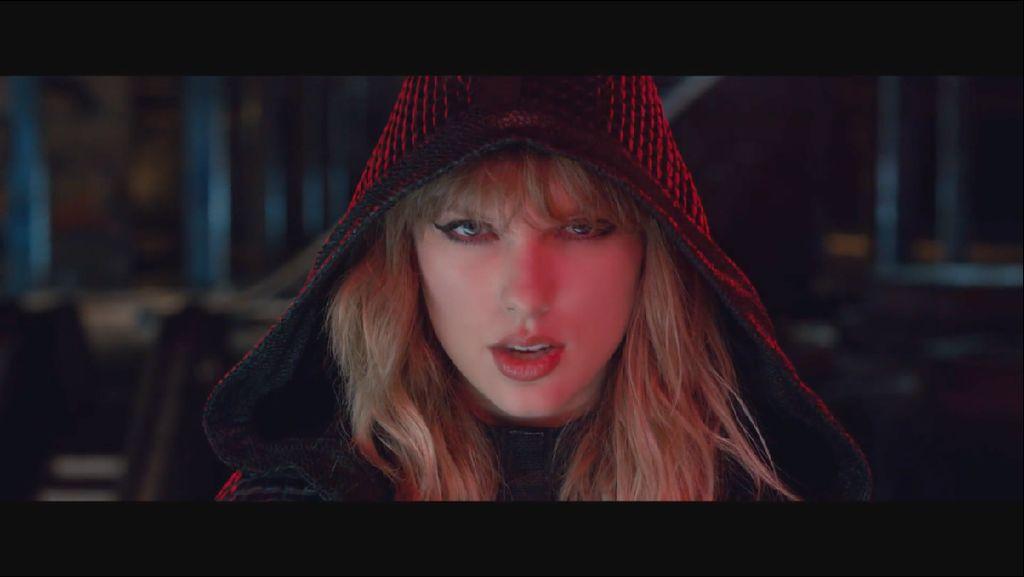 Taylor Swift Pakai Sarung Tangan Rinaldy Yunardi di Video Klip Terbaru