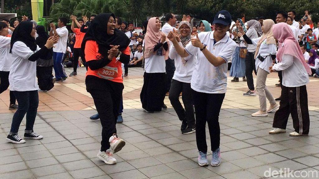 Senangnya Sri Mulyani Senam di Peringatan Hari Oeang