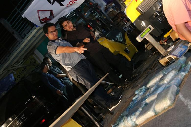 Penampakan Forklift Berisi Kg Sabu - Tangerang Tim Direkrorat Narkoba Polda Metro Jaya mengungkap upaya peredaran narkotika jenis sabu di Modus pelaku adalah dengan