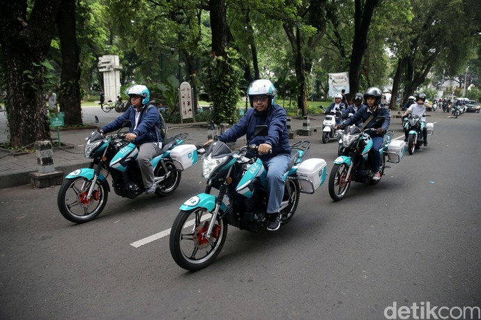 Konvoi Motor Listrik Keliling Ibu Kota