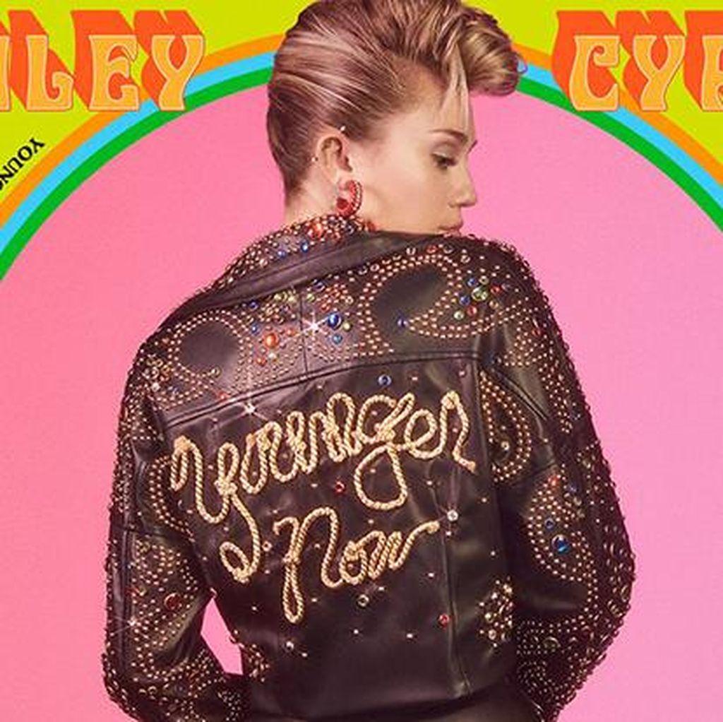 Younger Now: Miley Cyrus Yang Baru (Lagi)