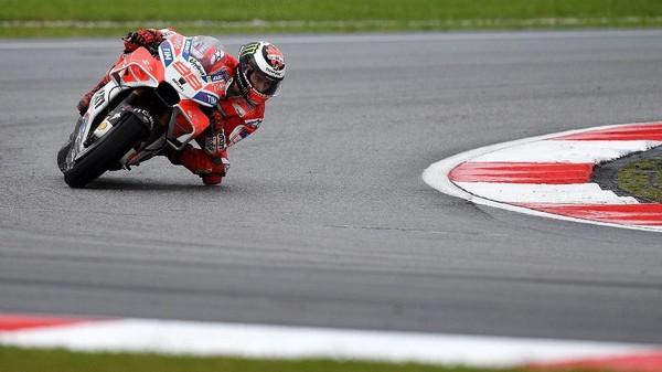 Lorenzo Tercepat, Dovi Ketiga, Marquez Crash