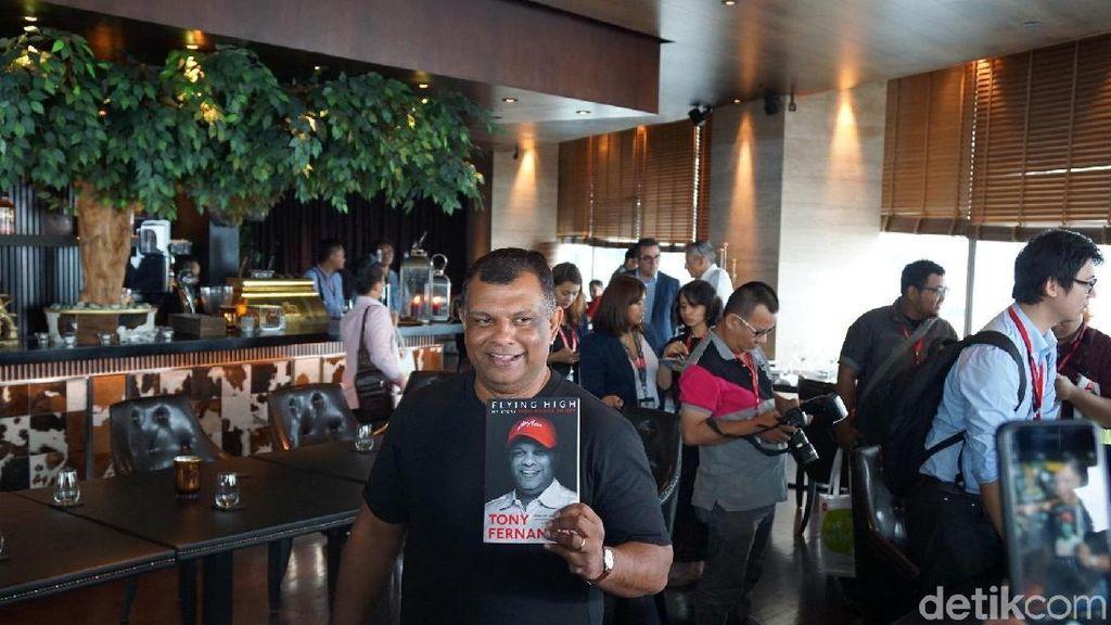 Menguak Sosok di Balik Suksesnya Bos AirAsia Tony Fernandes