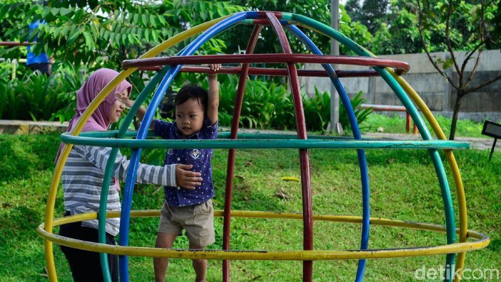 Melihat Asrinya RPTRA Anggrek Bintaro