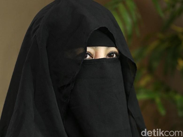 Dituding Jadi WIL dalam Pernikahan Sunu, Umi Pipik Tetap Lancar Berdakwah