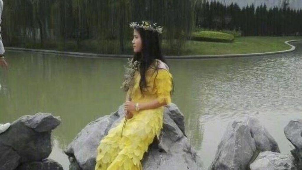 Kamu Nggak akan Percaya, Gaun Cantik Ini Dibuat dari 6.000 Lembar Daun Asli