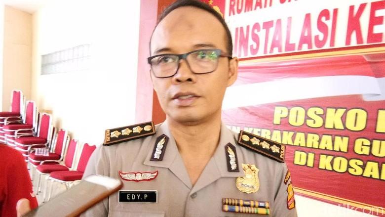 RS Polri Lakukan Segala Upaya - Jakarta Polisi menyebutkan proses identifikasi korban kebakaran pabrik kembang api di Tangerang akan memakan waktu Proses identifikasi ini