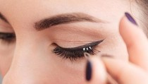 Bahaya Ekstensi Bulu Mata, Mata Wanita Ini Alergi Hingga Jadi Bengkak